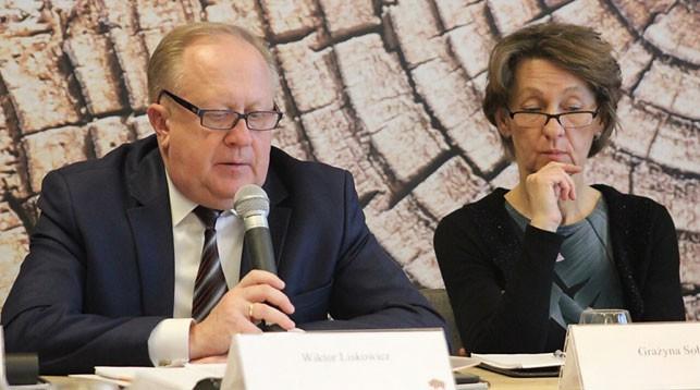 Во время заседания. Фото Гродненского облисполкома