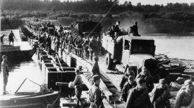 Переправа советских войск через Западную Двину в районе Бешенковичей. Фото из архива
