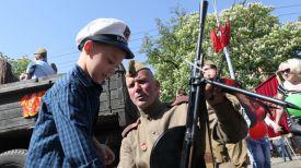 Во время празднования Дня Победы. Фото из архива