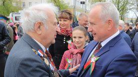 Николай Шерстнев (справа)