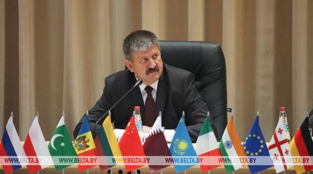 Геннадий Соловей во время форума