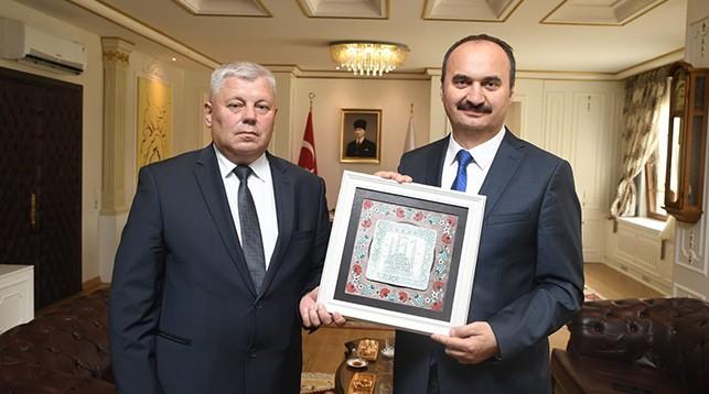 Мечислав Гой и Экрем Джаналп. Фото посольства Беларуси в Турции