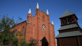 Костел Святого Андрея Апостола в агрогородке Нарочь. Фото planetabelarus.by