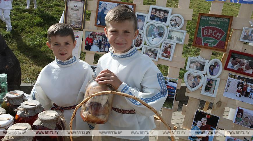 Участники конкурса Назар и Елисей Ярмольчики