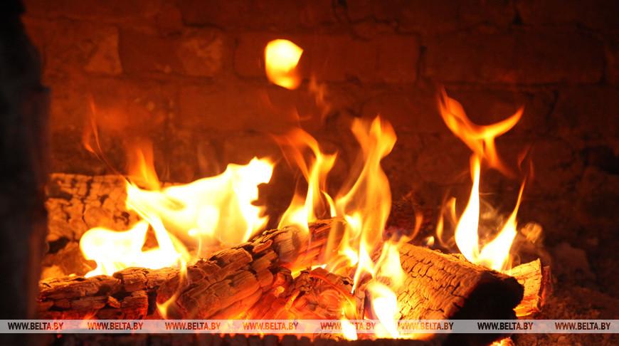 Огонь в печи. Фото из архива
