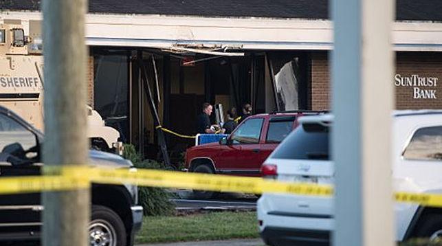 На месте происшествия. Фото USA Today - TCPALM