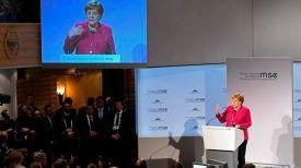 Ангела Меркель выступает на Мюнхенской конференции. Фото Reuters