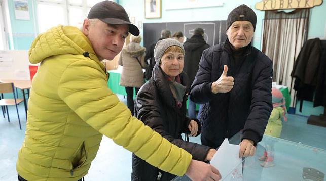 На избирательном участке. Фото Portal Miasta Gdańska