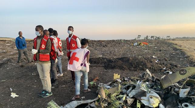 На месте крушения авиалайнера. Фото Синьхуа - БЕЛТА
