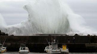 """Тайфун """"Хагибис"""" приближается к городу Кихо, Япония, 11 октября 2019 г. Фото AP/Toru Hanai"""