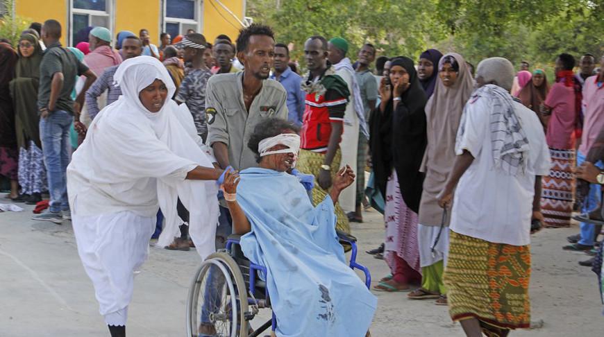 Более 90 человек погибли при взрыве автомобиля в Сомали