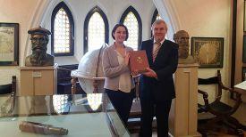 Кристина Тома и Андрей Гринкевич. Фото посольства Беларуси в Румынии