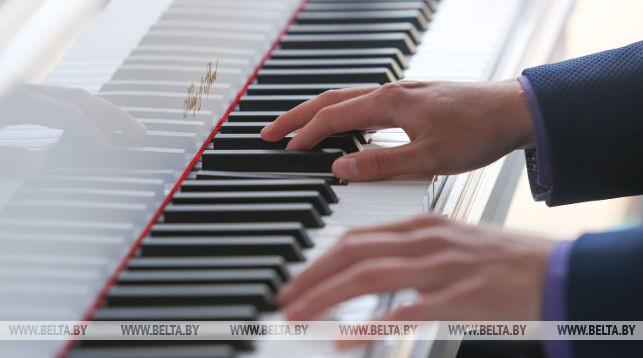 """Юные пианисты из 5 стран примут участие в конкурсе """"Ступени классики"""" в Бресте"""