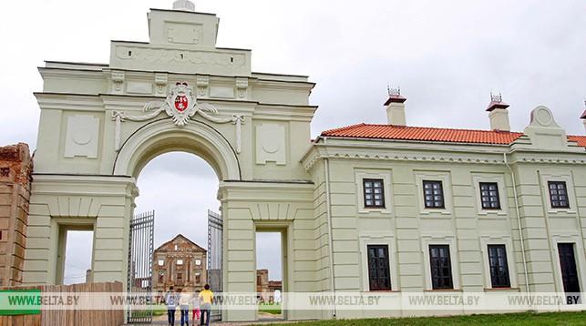 Ружанский замок. Фото из архива