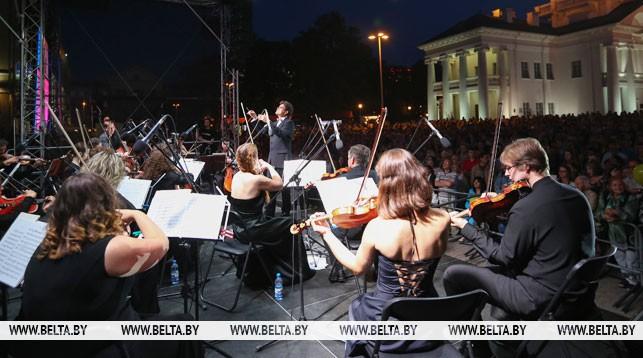 Во время концерта. Фото из архива