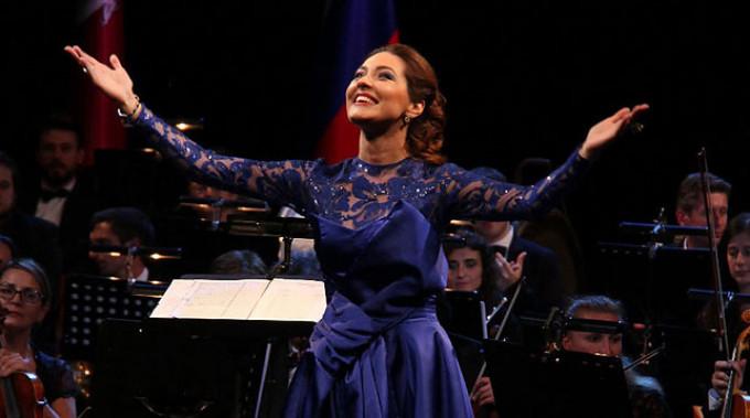 Ксения Дежнева. Фото официального сайта Ксении Дежневой