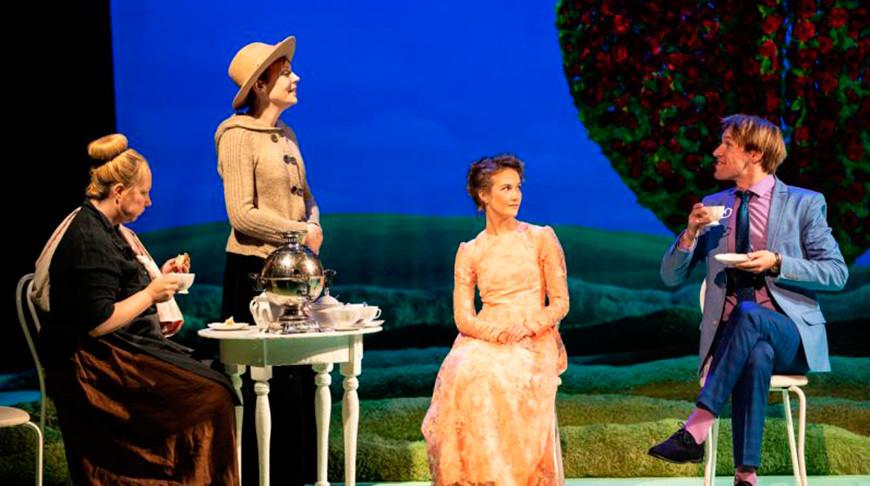 Сцена из спектакля. Фото Могилевского областного драмтеатра