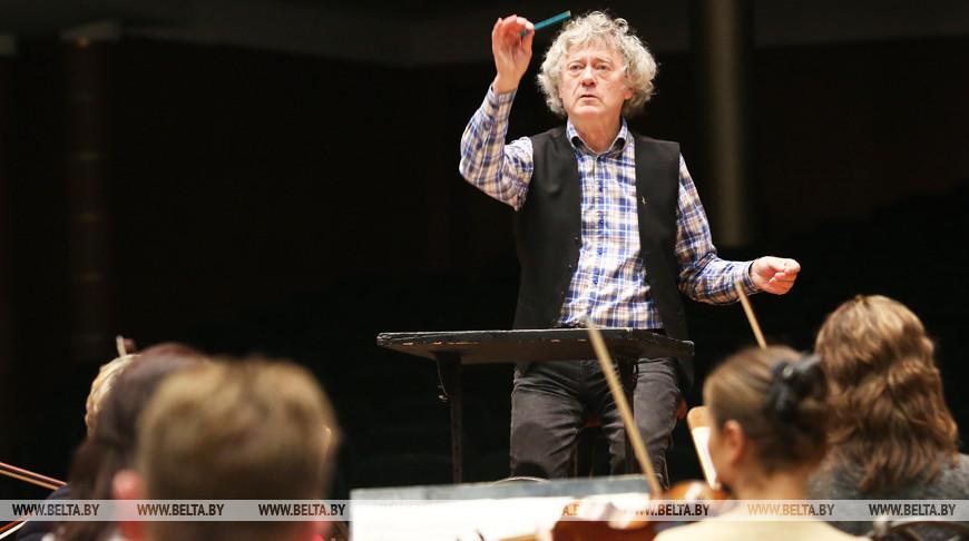 Александр Анисимов и Государственный академический симфонический оркестр на репетиции. Фото из архива