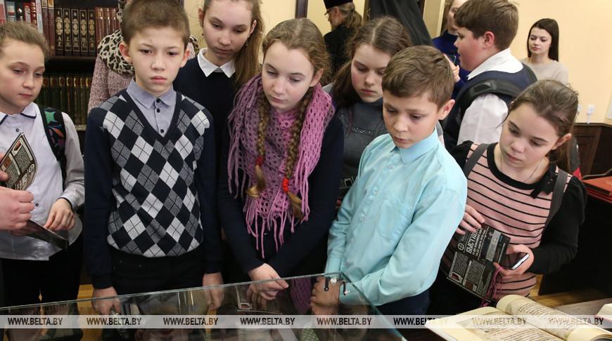 На выставке православной книги. Фото из архива