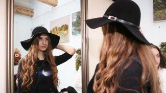 Дарья Войтукевич готовится к показу одежды