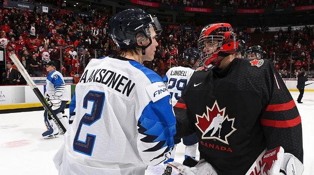 После матча Канада - Финляндия. Фото IIHF