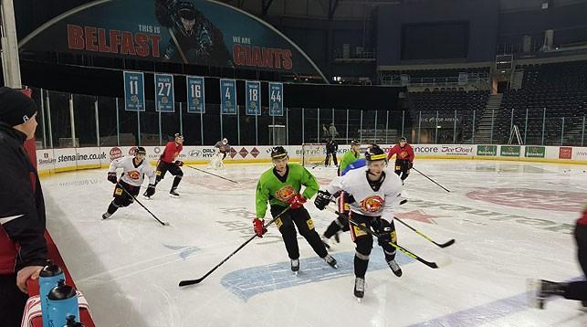 """Хоккеисты """"Гомеля"""" проводят тренировку в Белфасте. Фото ХК """"Гомель"""""""