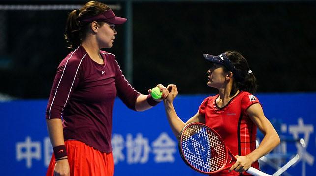Лидия Морозова и Сюко Аояма. Фото из архива Белорусской теннисной федерации