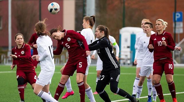 Во время матча. Фото Федерации футбола Латвии