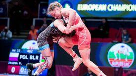 Ванесса Колодинская и Роксана Засина. Фото United World Wrestling