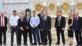 Виктор Шершуков (в центре)