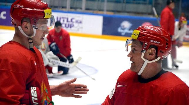 Во время тренировки белорусской сборной. Фото ФХБ