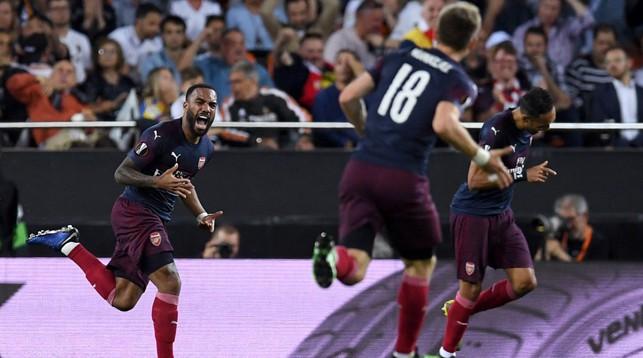 """Во время матча """"Валенсия"""" - """"Арсенал"""". Фото официального Twitter-аккаунта УЕФА"""