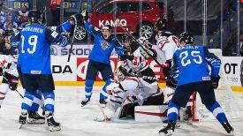 Во время матча Канада - Финляндия. Фото IIHF