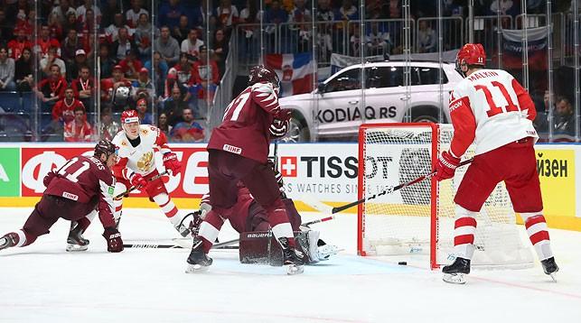 Во время матча Латвия - Россия. Фото IIHF