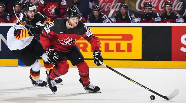 Во время матча Канада - Германия. Фото IIHF