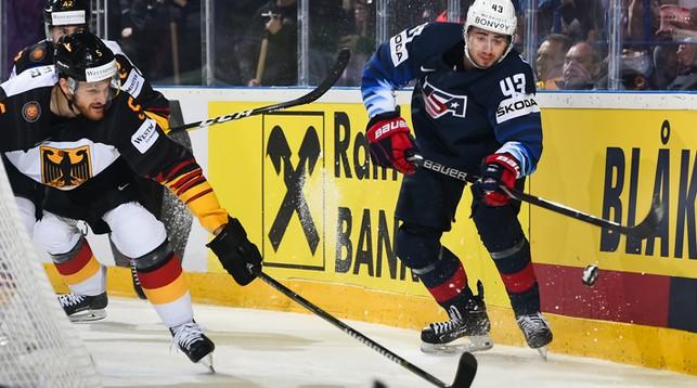 Во время матча США - Германия. Фото IIHF