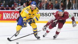 Во время матча Швеция - Латвия. Фото IIHF