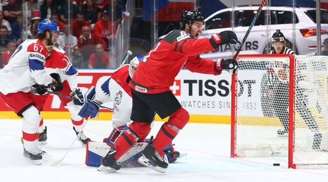 Во время матча Канада - Чехия. Фото IIHF