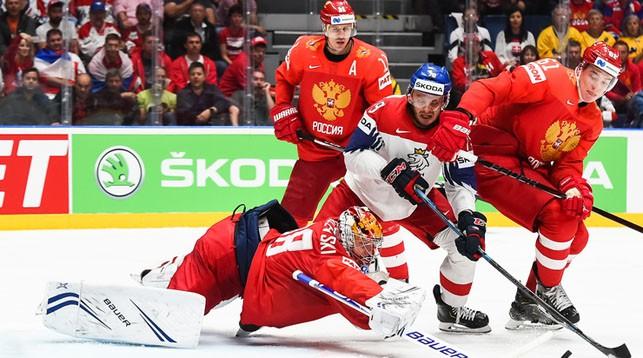 Во время матча Россия - Чехия. Фото IIHF