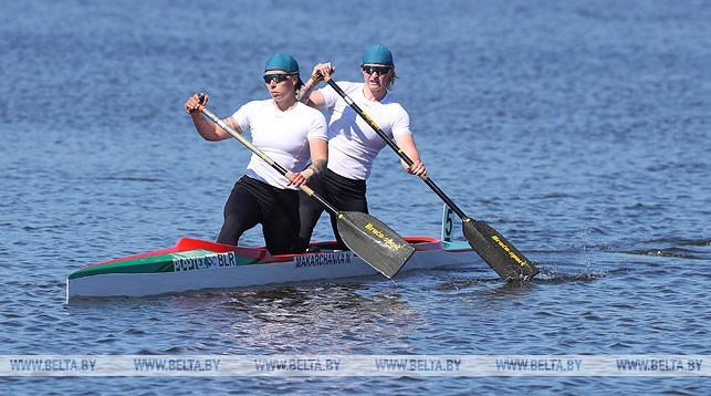 Заезд каноэ-двоек на 500 м (женщины). Надежда Макарченко и Ольга Климова