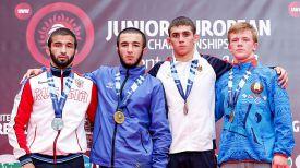 Денис Соловей (справа). Фото Международной федерации борьбы