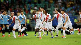 Ликование перуанских футболистов. Фото Reuters
