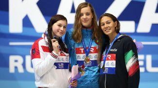 Александра Сабитова, Анастасия Шкурдай и Хелена Биасибетти. Фото Всероссийской федерации плавания
