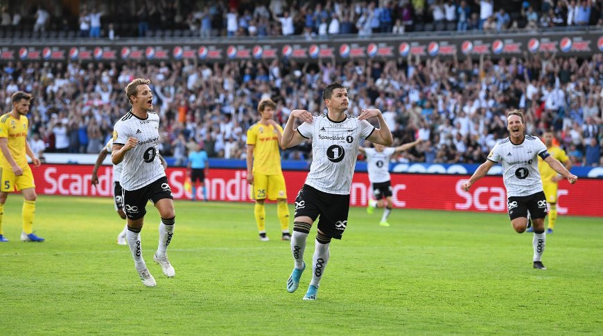 """Во время матча. Фото официального сайта """"Русенборга"""""""