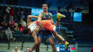 Максим Бондаренко на юниорском чемпионате мира в Таллине. Фото из архива Международной федерации борьбы