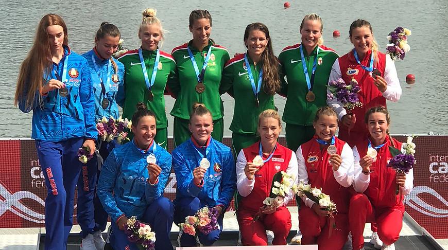 Марина Литвинчук, Ольга Худенко, Надежда Попок, Маргарита Махнева (слева). Фото Planet Canoe