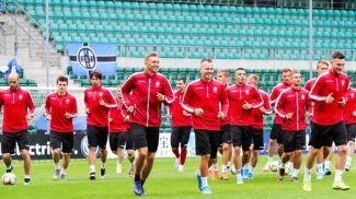 Белорусская сборная на предматчевой тренировке в Таллине. Фото АБФФ