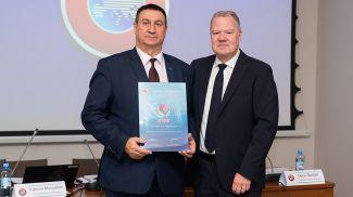 Владимир Базанов и Карл-Эрик Нилссон. Фото АБФФ