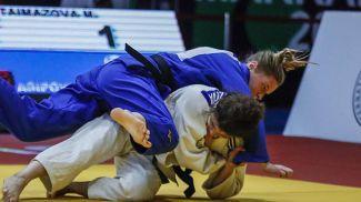 Жанна Осипович (в синем). Фото из архива Международной федерации дзюдо