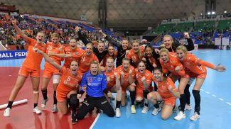 Ликование нидерландских гандболисток. Фото NLteam Handball